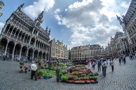 Брюссель - титульна сторінка