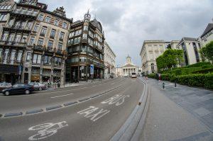 Виділена смуга для велосипедистів та автобусів