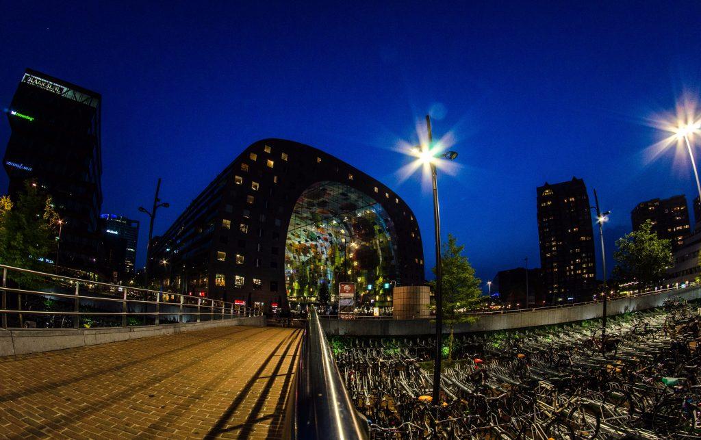 Велопарковка в Роттердамі