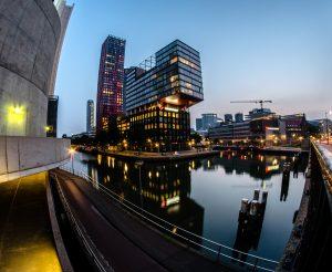 Роттердам - нічні хмарочоси