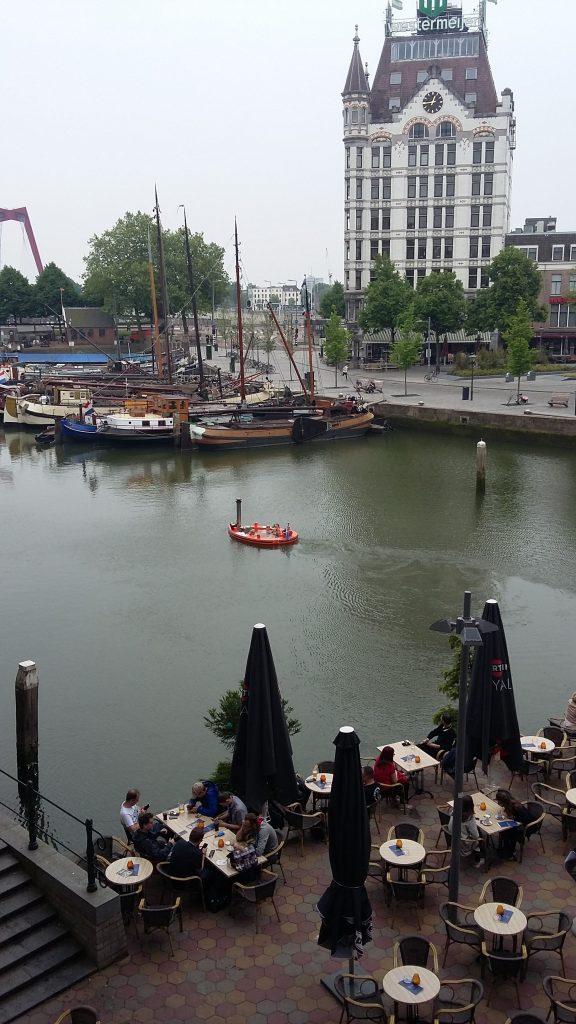Вид на Oudehaven та плавучу ванну