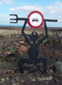 Дорожній знак в паку Timanfaya Лансароте