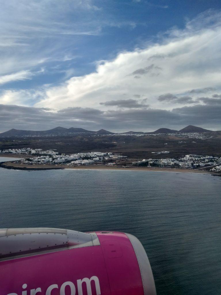 Вид на острів Лансароте з літака